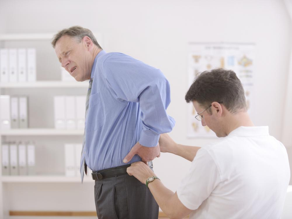 Lake Worth Chiropractic & Wellness treats numbness, tingling, chronic pain or loss of mobility symptoms which may indicate herniated discs & sciatica