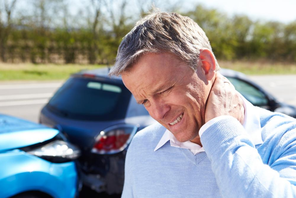 manage neck pain from poor posture spinal injury at our lake worth chiropractor